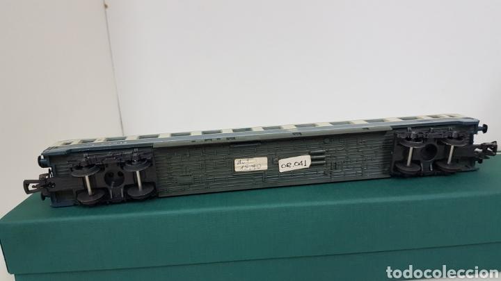 Trenes Escala: Lima vagón de segunda clase y primera de la de B alemana verde y crema de 27 cm escala H0 corriente - Foto 7 - 181488856