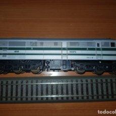 Trenes Escala: LIMA HO 208050 LOCOMOTORA RENFE 1616 DIGITAL VERDE PLATA. Lote 182582931