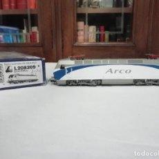 Trenes Escala: LIMA H0 L208209 LOCOMOTORA RENFE 252 ARCO DIGITAL NUEVA. Lote 208272752