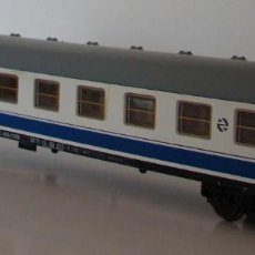 Trenes Escala: LIMA COCHE PASAJEROS LARGO RECORRIDO REF: 309627 ESCALA H0. Lote 218230392