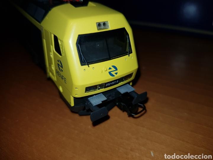 Trenes Escala: LIMA HO L208623 LOCOMOTORA RENFE 252 DIGITAL - Foto 4 - 218933770