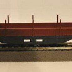 Trenes Escala: VAGON 4 EJES CON TELEROS EN CAJA. Lote 235953525