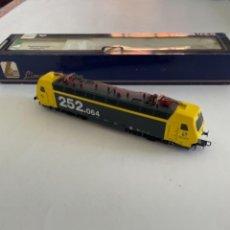 Trenes Escala: LIMA. HO. RENFE 252.064-1. DIGITAL. Lote 267193014