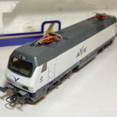 Comboios Escala: LIMA L208211 LOCOMOTORA RENFE 252 AVE DIGITALIZADA. Lote 267557064