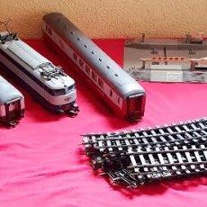 Comboios Escala: LOCOMOTORA Y 3 VAGONES +VIAS + EL TRANSFORMADOR LIMA ITALY SIN PROBAR .TAL CUAL COMO SE VE EN FOTOS. Lote 286688258