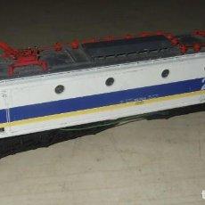 Trenes Escala: LOCOMOTORA DE TREN ELECTRICA RENFE 276-052-8 - LIMA COLLECTION. Lote 287462068