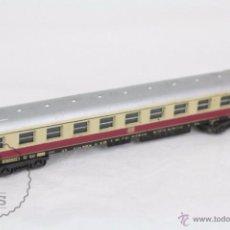 Trenes Escala: VAGÓN DE PASAJEROS - TREN LIMA, ITALIA - GRANATE Y CREMA - DB - ESCALA N - LONGITUD 14 CM. Lote 49893666