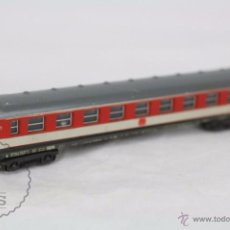 Trenes Escala: VAGÓN DE PASAJEROS - TREN LIMA, ITALIA - ROJO Y BLANCO - DB - ESCALA N - LONG 14 CM. Lote 49893723