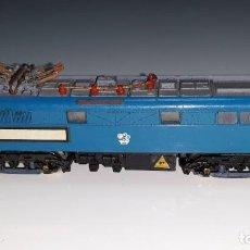Trenes Escala: LIMA : ANTIGUA LOCOMOTORA E 3185 BRITISH RAILWAYS REF. 220 225 ESCALA N AÑOS 70 MADE IN ITALY. Lote 185729245