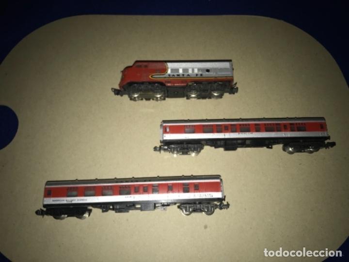 LOCOMOTORA MEHANO, SANTA FE, ESCALA N Y 2 VAGONES (Juguetes - Trenes a Escala N - Lima N)