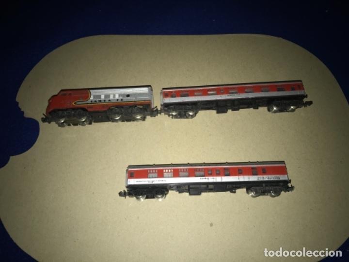 Trenes Escala: LOCOMOTORA MEHANO, SANTA FE, ESCALA N Y 2 VAGONES - Foto 17 - 204804158