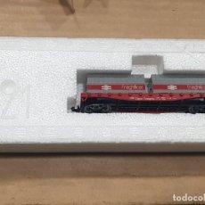 Trenes Escala: VAGÓN CON DOS CONTENEDORES FREIGHTLINER CON CAJA. Lote 233846635