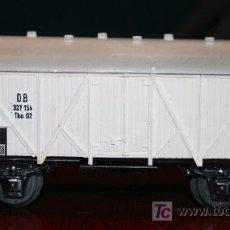 Trenes Escala: MARKLIN - VAGÓN MERCANCIAS BLANCO CERRADO. Lote 26944814
