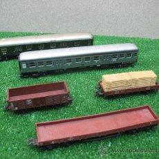 Trenes Escala: MARKLIN - LOTE DE 5 VAGONES PASAJEROS Y CARGA - ESCALA H0. Lote 23940147