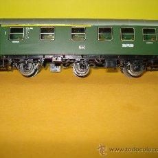 Trenes Escala: COCHE 1ª Y 2ª CLASE 3 EJES DE LA DB REF. 4079 DE MARKLIN ESCALA *H0*.FABRICADO AÑO 1984.. Lote 24292424