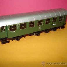 Trenes Escala: COCHE DE VIAJEROS 2ª CLASE 3 EJES. REF. 4067 DE MARKLIN *H0*. AÑO 1983.. Lote 24293114
