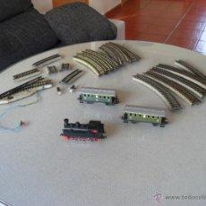 Trenes Escala: LOTE MARKLIN,VIAS,DESVIO CON ENTRADA TENSION,LOCOMOTORA Y 2 VAGONES NUEVOS. Lote 46836447