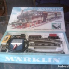 Trenes Escala: ANTIGUO TREN ELECTRICO MARKLIN EN CAJA ORIGINAL, VIAS DE HOJALATA. Lote 66282762