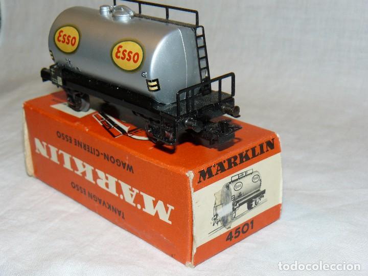Trenes Escala: MARKLIN Vagon Cisterna ESSO DB Ref. 4501 gris, dos ejes, Escala H0 1:87 - Foto 3 - 104316143