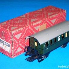 Trenes Escala: COCHE PASAJEROS 1ª SERIE REF. 4000 *METÁLICO* MÄRKLIN H0 ALTERNA, ORIGINAL AÑOS 50-60. CAJA ORIGINAL. Lote 108441903