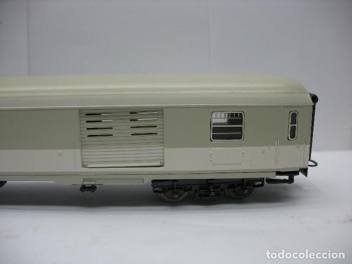 Trenes Escala: Marklin - Furgón de la DB 51 80 95-80 039-8 - Escala H0 - Foto 4 - 128414439