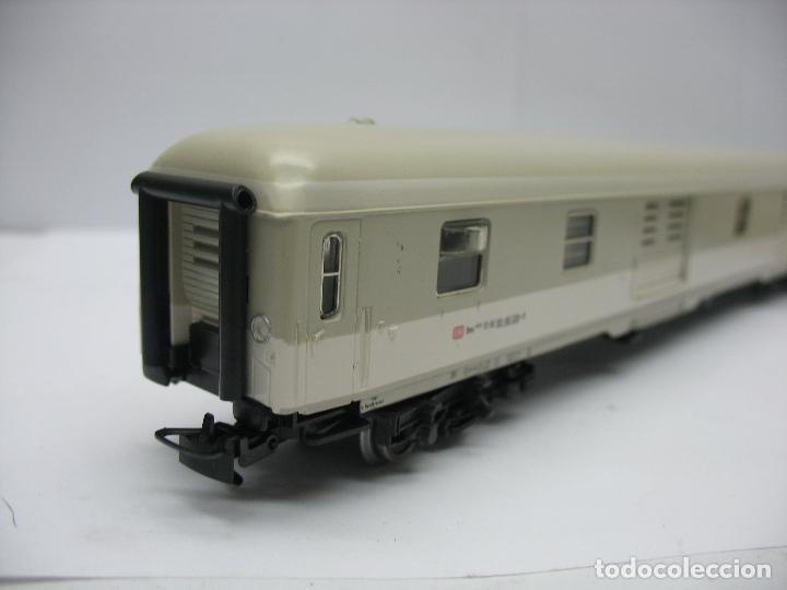 Trenes Escala: Marklin - Furgón de la DB 51 80 95-80 039-8 - Escala H0 - Foto 6 - 128414439