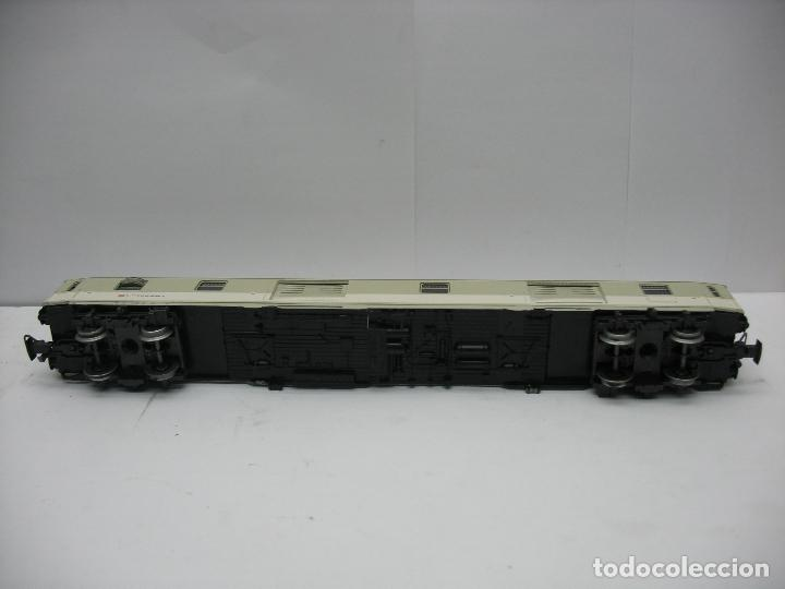 Trenes Escala: Marklin - Furgón de la DB 51 80 95-80 039-8 - Escala H0 - Foto 7 - 128414439