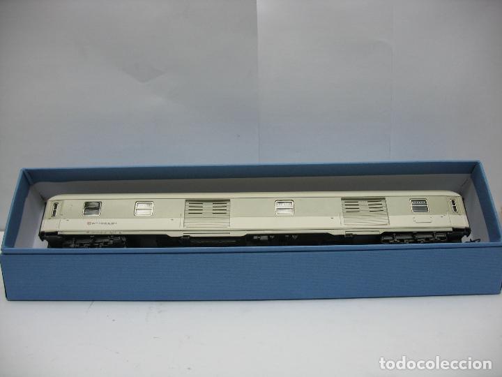 Trenes Escala: Marklin - Furgón de la DB 51 80 95-80 039-8 - Escala H0 - Foto 8 - 128414439
