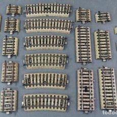 Trenes Escala: 25 TRAMOS CORTOS VÍAS CURVAS Y RECTAS MARKLIN H0 SIN CAJA. Lote 194779747