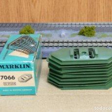 Trenes Escala: MARKLIN H0 CAJA CON 10 PLACAS BASE PARA PILARES DE PUENTE, REFERENCIA 7066.. Lote 155703878