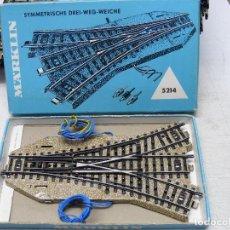 Trenes Escala: MARKLIN H0 DESVIO TRIPLE ELECTRICO, REFERENCIA 5214.. Lote 156756122
