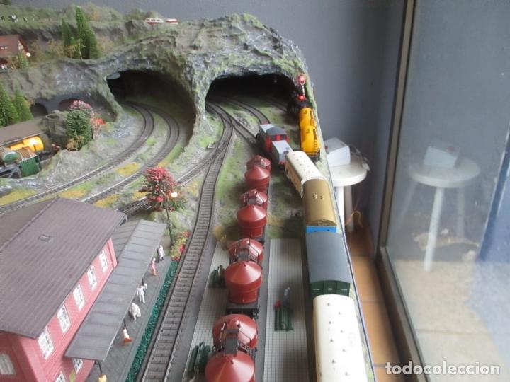 Trenes Escala: Maqueta Artesanal - Marklin H0 - Via Tipo C - 12 Desvíos, 2 Semáforos, 2 Estaciones, 1 Apeadero, etc - Foto 3 - 165636178