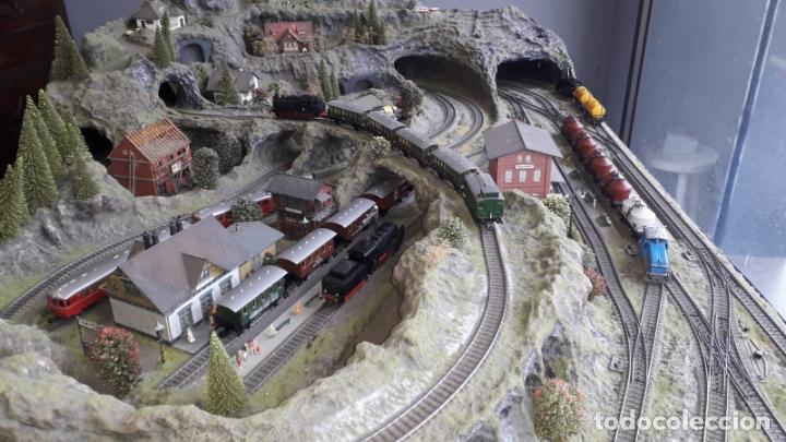 Trenes Escala: Maqueta Artesanal - Marklin H0 - Via Tipo C - 12 Desvíos, 2 Semáforos, 2 Estaciones, 1 Apeadero, etc - Foto 5 - 165636178