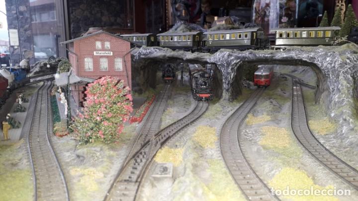 Trenes Escala: Maqueta Artesanal - Marklin H0 - Via Tipo C - 12 Desvíos, 2 Semáforos, 2 Estaciones, 1 Apeadero, etc - Foto 6 - 165636178