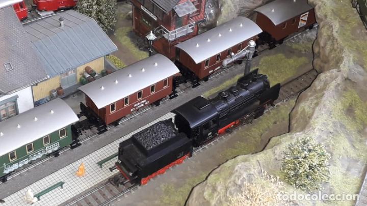 Trenes Escala: Maqueta Artesanal - Marklin H0 - Via Tipo C - 12 Desvíos, 2 Semáforos, 2 Estaciones, 1 Apeadero, etc - Foto 7 - 165636178