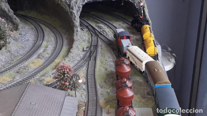 Trenes Escala: Maqueta Artesanal - Marklin H0 - Via Tipo C - 12 Desvíos, 2 Semáforos, 2 Estaciones, 1 Apeadero, etc - Foto 8 - 165636178