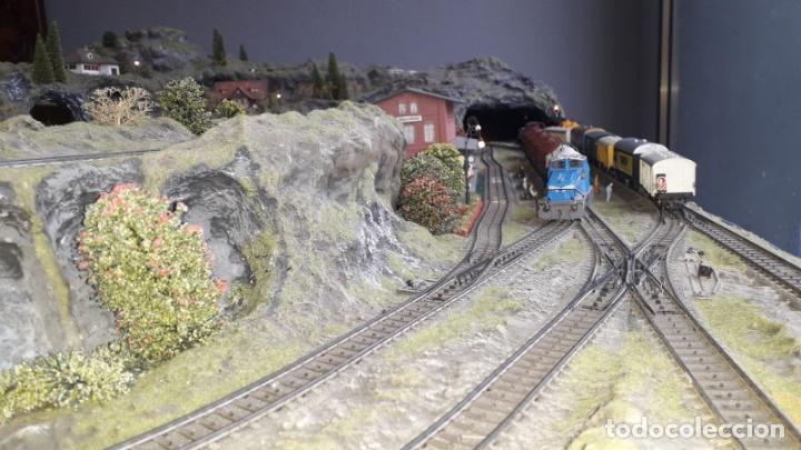 Trenes Escala: Maqueta Artesanal - Marklin H0 - Via Tipo C - 12 Desvíos, 2 Semáforos, 2 Estaciones, 1 Apeadero, etc - Foto 9 - 165636178