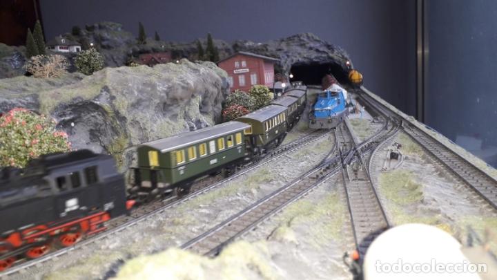 Trenes Escala: Maqueta Artesanal - Marklin H0 - Via Tipo C - 12 Desvíos, 2 Semáforos, 2 Estaciones, 1 Apeadero, etc - Foto 11 - 165636178