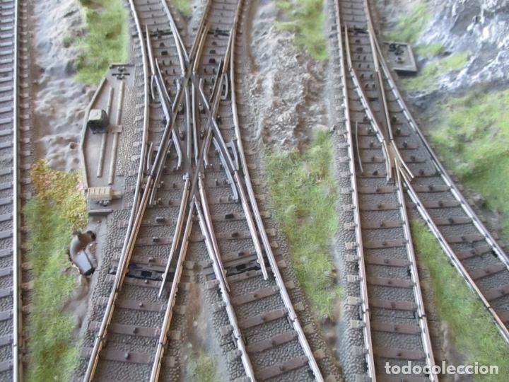 Trenes Escala: Maqueta Artesanal - Marklin H0 - Via Tipo C - 12 Desvíos, 2 Semáforos, 2 Estaciones, 1 Apeadero, etc - Foto 12 - 165636178
