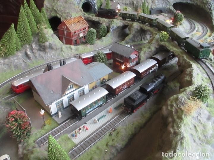 Trenes Escala: Maqueta Artesanal - Marklin H0 - Via Tipo C - 12 Desvíos, 2 Semáforos, 2 Estaciones, 1 Apeadero, etc - Foto 17 - 165636178