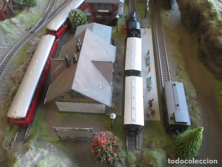 Trenes Escala: Maqueta Artesanal - Marklin H0 - Via Tipo C - 12 Desvíos, 2 Semáforos, 2 Estaciones, 1 Apeadero, etc - Foto 18 - 165636178