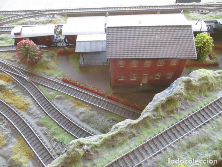 Trenes Escala: Maqueta Artesanal - Marklin H0 - Via Tipo C - 12 Desvíos, 2 Semáforos, 2 Estaciones, 1 Apeadero, etc - Foto 21 - 165636178