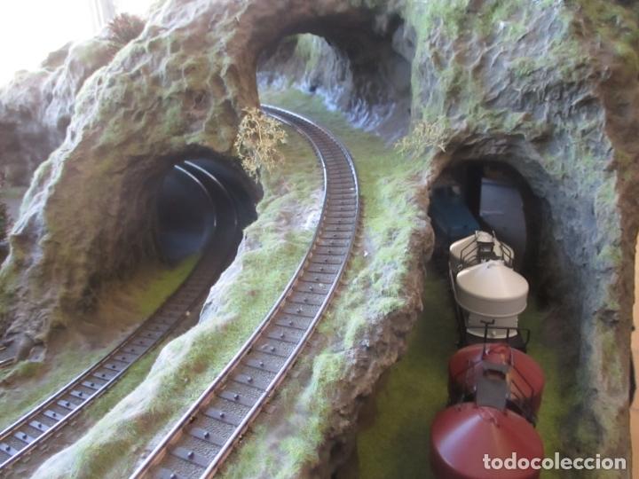 Trenes Escala: Maqueta Artesanal - Marklin H0 - Via Tipo C - 12 Desvíos, 2 Semáforos, 2 Estaciones, 1 Apeadero, etc - Foto 28 - 165636178