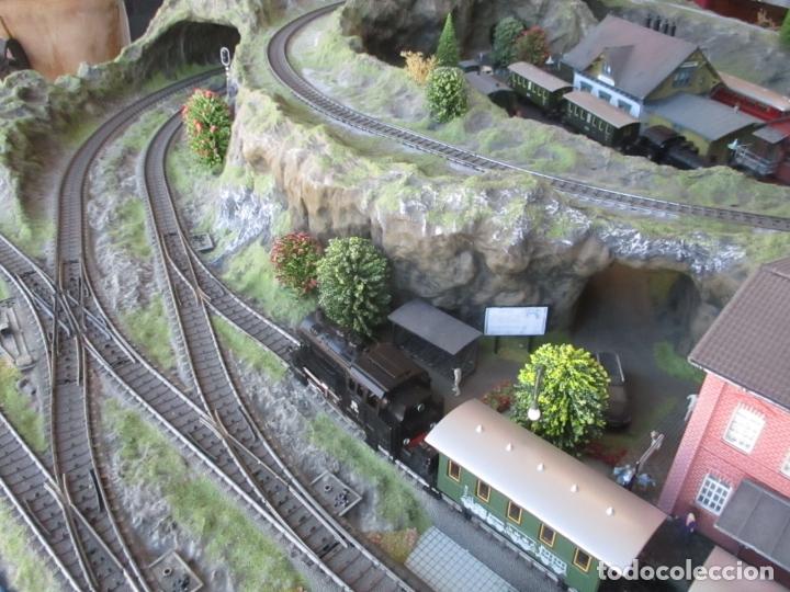 Trenes Escala: Maqueta Artesanal - Marklin H0 - Via Tipo C - 12 Desvíos, 2 Semáforos, 2 Estaciones, 1 Apeadero, etc - Foto 36 - 165636178