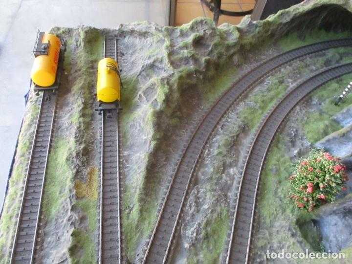 Trenes Escala: Maqueta Artesanal - Marklin H0 - Via Tipo C - 12 Desvíos, 2 Semáforos, 2 Estaciones, 1 Apeadero, etc - Foto 37 - 165636178