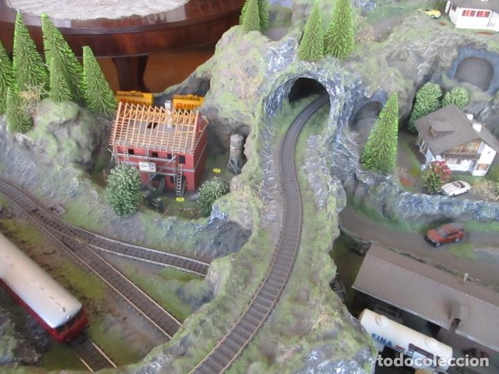 Trenes Escala: Maqueta Artesanal - Marklin H0 - Via Tipo C - 12 Desvíos, 2 Semáforos, 2 Estaciones, 1 Apeadero, etc - Foto 39 - 165636178