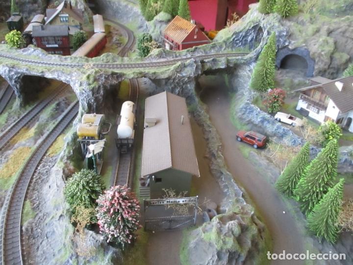 Trenes Escala: Maqueta Artesanal - Marklin H0 - Via Tipo C - 12 Desvíos, 2 Semáforos, 2 Estaciones, 1 Apeadero, etc - Foto 42 - 165636178