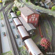 Trenes Escala: MAQUETA ARTESANAL - MARKLIN H0 - VIA TIPO C - 12 DESVÍOS, 2 SEMÁFOROS, 2 ESTACIONES, 1 APEADERO, ETC. Lote 165636178