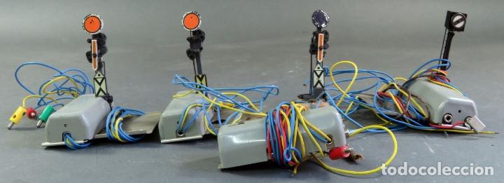 LOTE 4 SEÑALES ELÉCTRICAS TREN MARKLIN H0 AÑOS 70 - 80 (Juguetes - Trenes a Escala - Marklin H0)