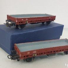 Trenes Escala: 2 VAGONES MARKLIN DE MERCANCÍAS METÁLICOS DE 14 CENTÍMETROS MARRON DE LA DB. Lote 179145036